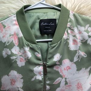 Jackets & Blazers - Floral bomber